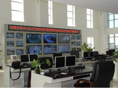 昆明定制高品质安防监控用监控杆,操作台,电视墙,网络机柜的生产厂家