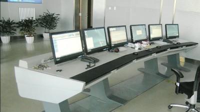 安防工程建设中除了监控杆、操作台还需要采购什么配套设备?