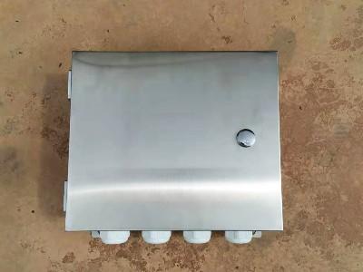 为高铁加工的不锈钢接线箱圆满完成定制生产