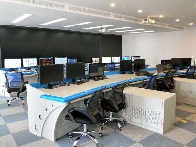 云茂公司:为您实现云南监控杆,网络机柜,监控操作台,UPS配电柜的一站式定制生产