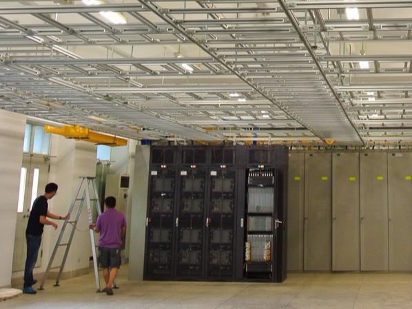 机柜在数据中心机房有什么作用?云茂通信来告诉您